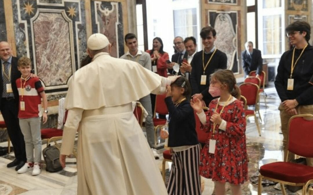 """Pope: child abuse is a kind of """"psychological murder"""""""